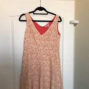 Lace dress size 4 Intuitions